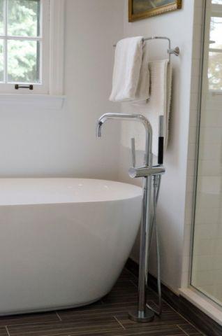 卫生间白色背景墙混搭风格装潢设计图片