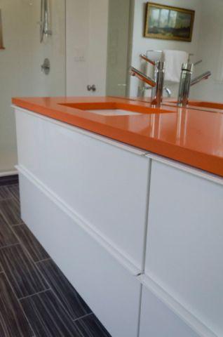 卫生间橙色细节混搭风格装修效果图