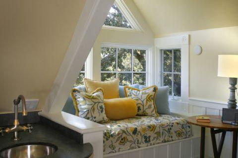 客厅黄色背景墙简欧风格装饰效果图