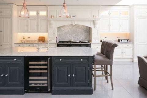 厨房灰色吧台简欧风格装潢效果图