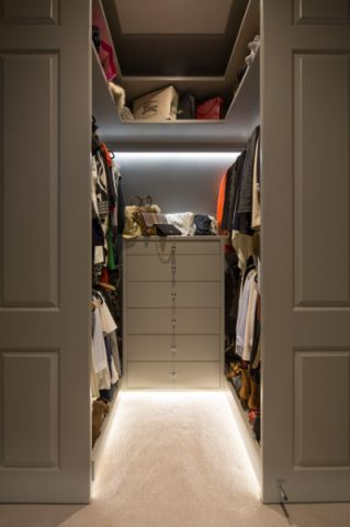 衣帽间灰色衣柜简欧风格装修图片