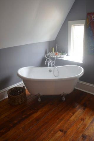 浴室白色浴缸简欧风格装修设计图片