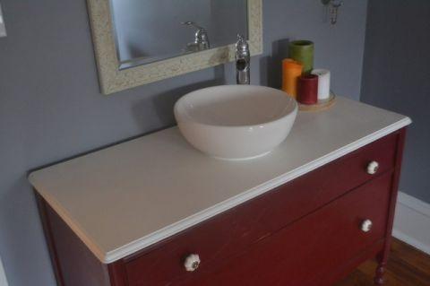 卫生间白色梳妆台简欧风格效果图