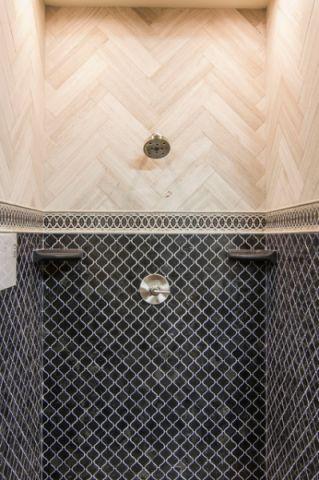 卫生间蓝色背景墙简欧风格装修设计图片