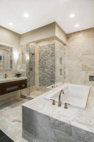浴室白色浴缸简欧风格装饰效果图