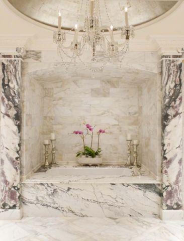 浴室浴缸简欧风格装修图片