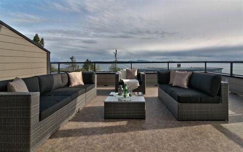 阳台黑色沙发现代风格装潢设计图片