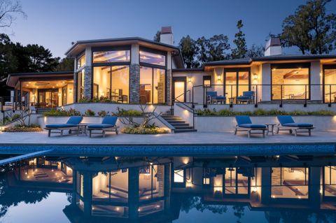 外景白色泳池现代风格装修图片