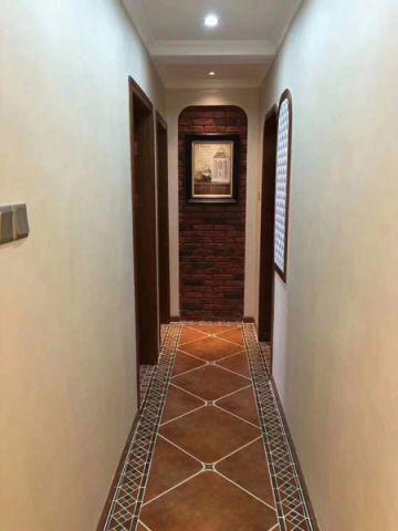 客厅彩色走廊美式风格装修效果图