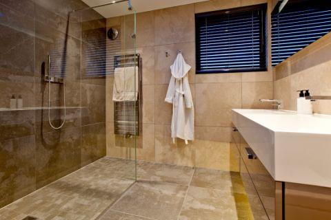 浴室窗帘现代风格装修图片