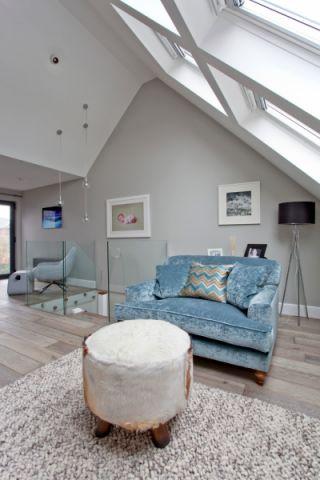 卧室沙发现代风格装修设计图片