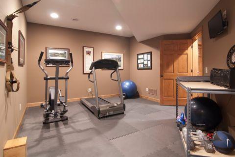 健身房背景墙美式风格装饰图片