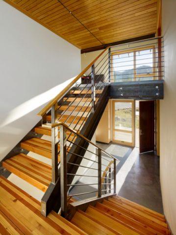 现代风格别墅166平米装修图片