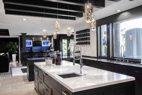 厨房窗台现代风格装潢设计图片