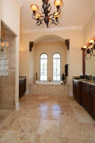 浴室窗台地中海风格装饰图片