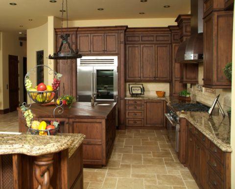 厨房咖啡色橱柜地中海风格装饰效果图