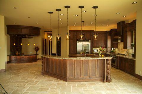 厨房黄色吊顶地中海风格装潢效果图