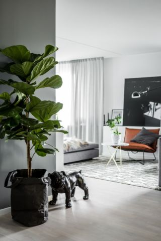 玄关白色走廊现代风格装饰设计图片