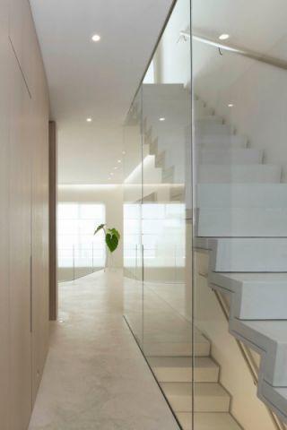 玄关白色楼梯现代风格装饰设计图片