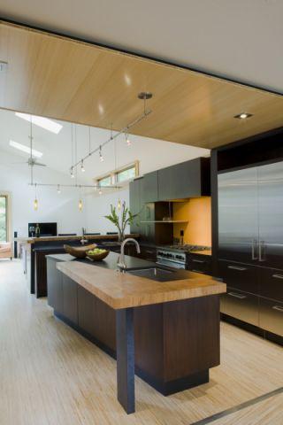 现代风格三居室128平米装修图片