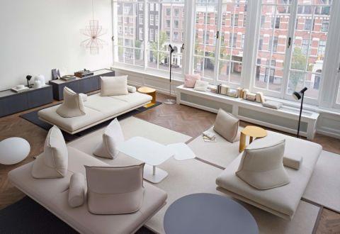 现代客厅沙发装潢图