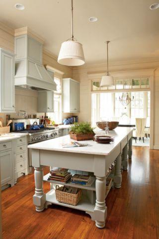 美轮美奂白色厨房岛台装潢图