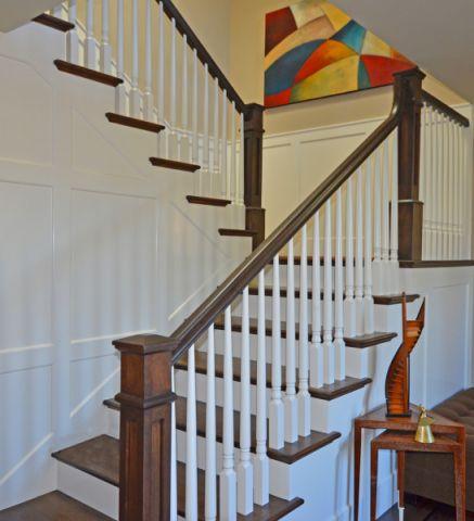 玄关咖啡色楼梯美式风格装饰设计图片