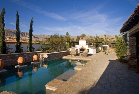 花园绿色泳池地中海风格装潢图片