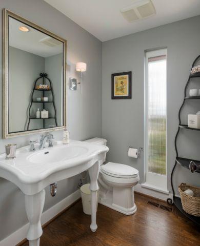 卫生间灰色照片墙现代风格装潢设计图片