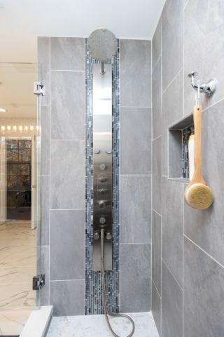 浴室背景墙现代装潢图片