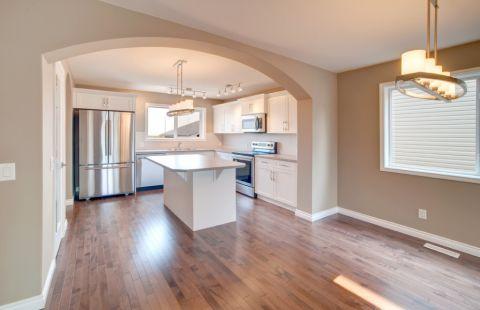 2019现代厨房装修图 2019现代地板砖装修设计图片