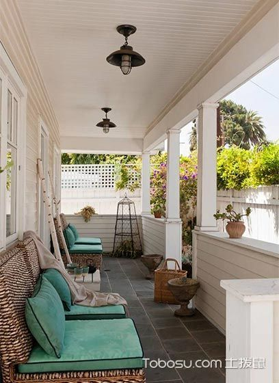阳台蓝色沙发田园风格装修效果图