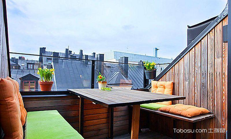 优雅阳台沙发装饰图