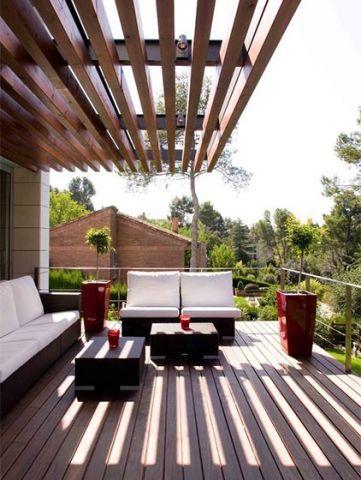 大阳台蓝色沙发效果图