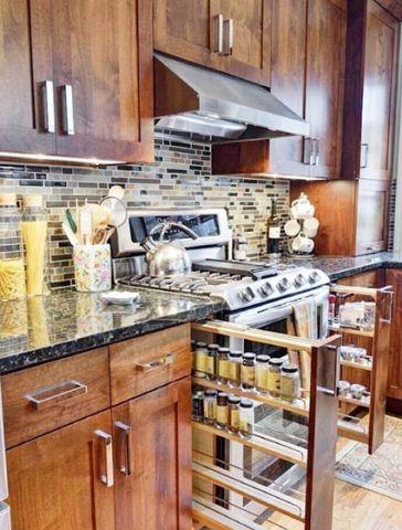 厨房黄色橱柜拉篮装修设计