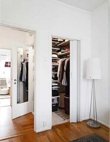 衣帽间衣柜混搭家装设计图