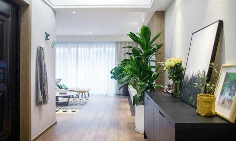 现代简约客厅走廊装修案例效果图