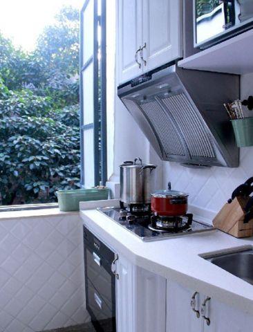 厨房白色灶台简欧风格装潢效果图