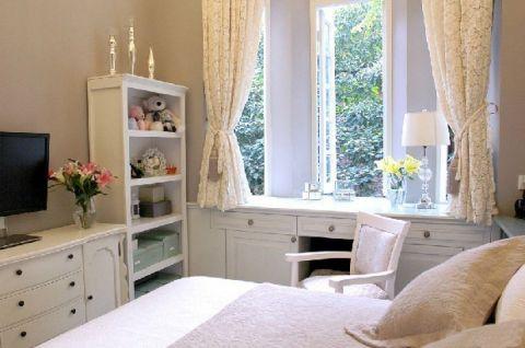 眩亮蓝色卧室装修图片