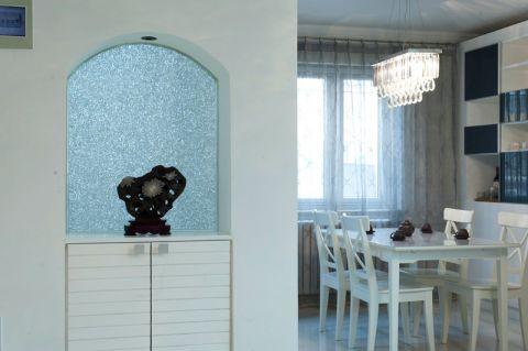 餐厅白色隔断装潢实景图片