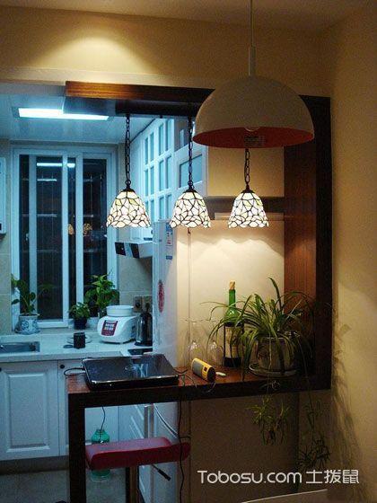 厨房咖啡色吧台简约风格装修设计图片