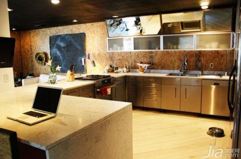 最新混搭白色厨房岛台设计图片