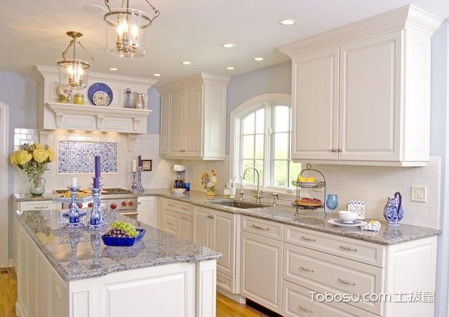 18张白色橱柜设计图 帮你打造素雅厨房