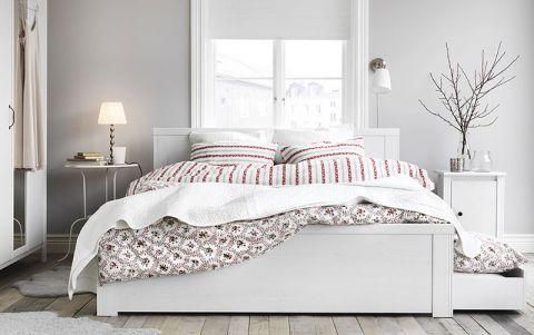 沉稳白色床效果图图片