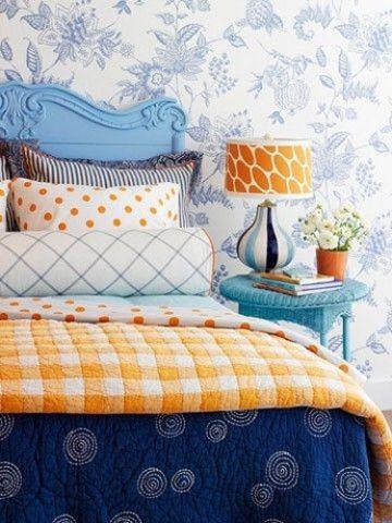 卧室蓝色床头柜装饰设计图片