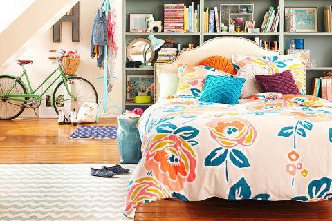 沉稳卧室床头柜平面图