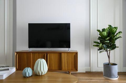 现代原木色电视柜装修设计