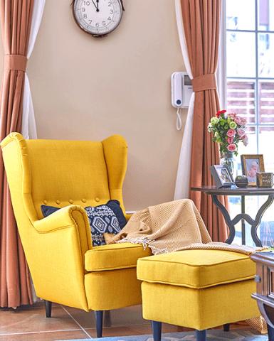 浪漫黄色客厅装修案例效果图
