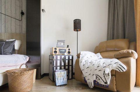 卧室咖啡色沙发装潢图
