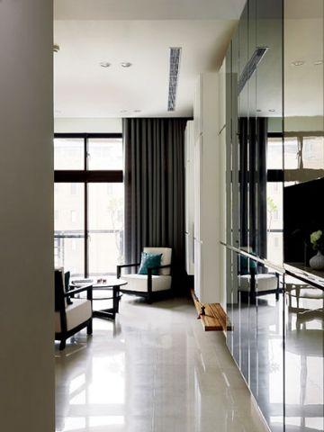 温馨客厅窗帘室内装修设计
